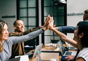 Online Employer Branding, Credits: pexels.com / rawpixels.com