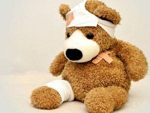 teddybär-mit-pflaster